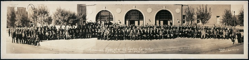Panoramic photo of delegates to AFL 1924 convention
